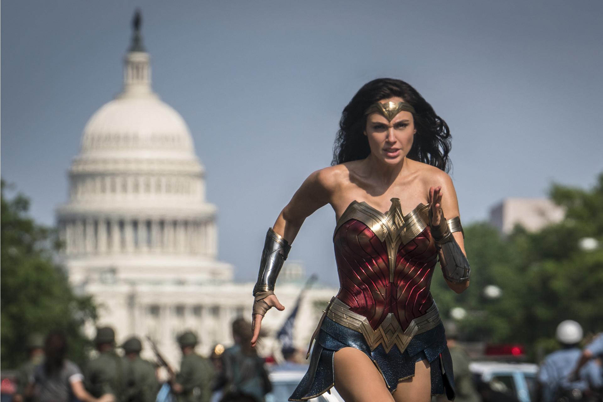 Wonder Woman 1984_slide_poster